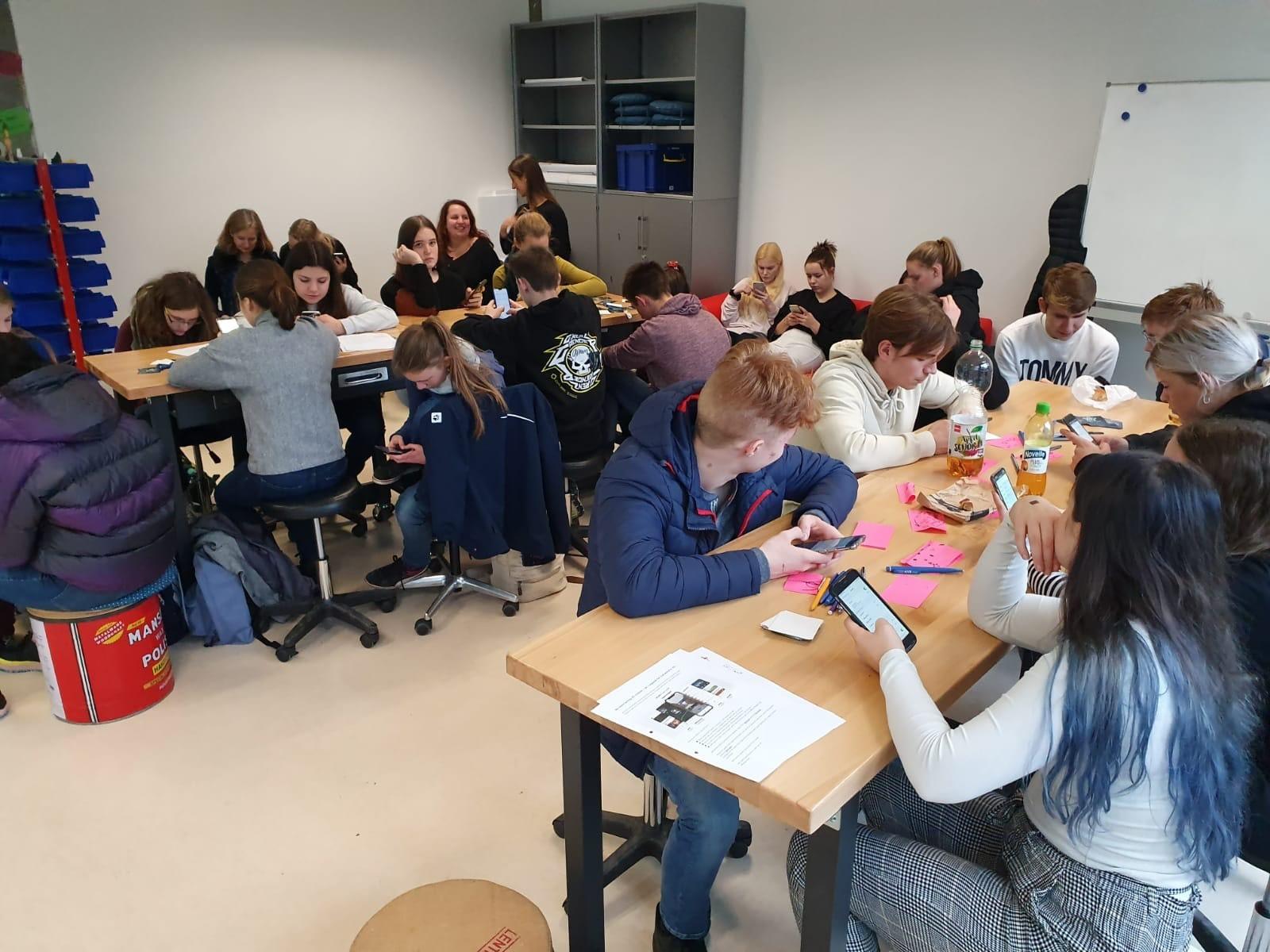 Internationale Schüler tauchen mit Mapstar in die Welt von Augmented Reality ein